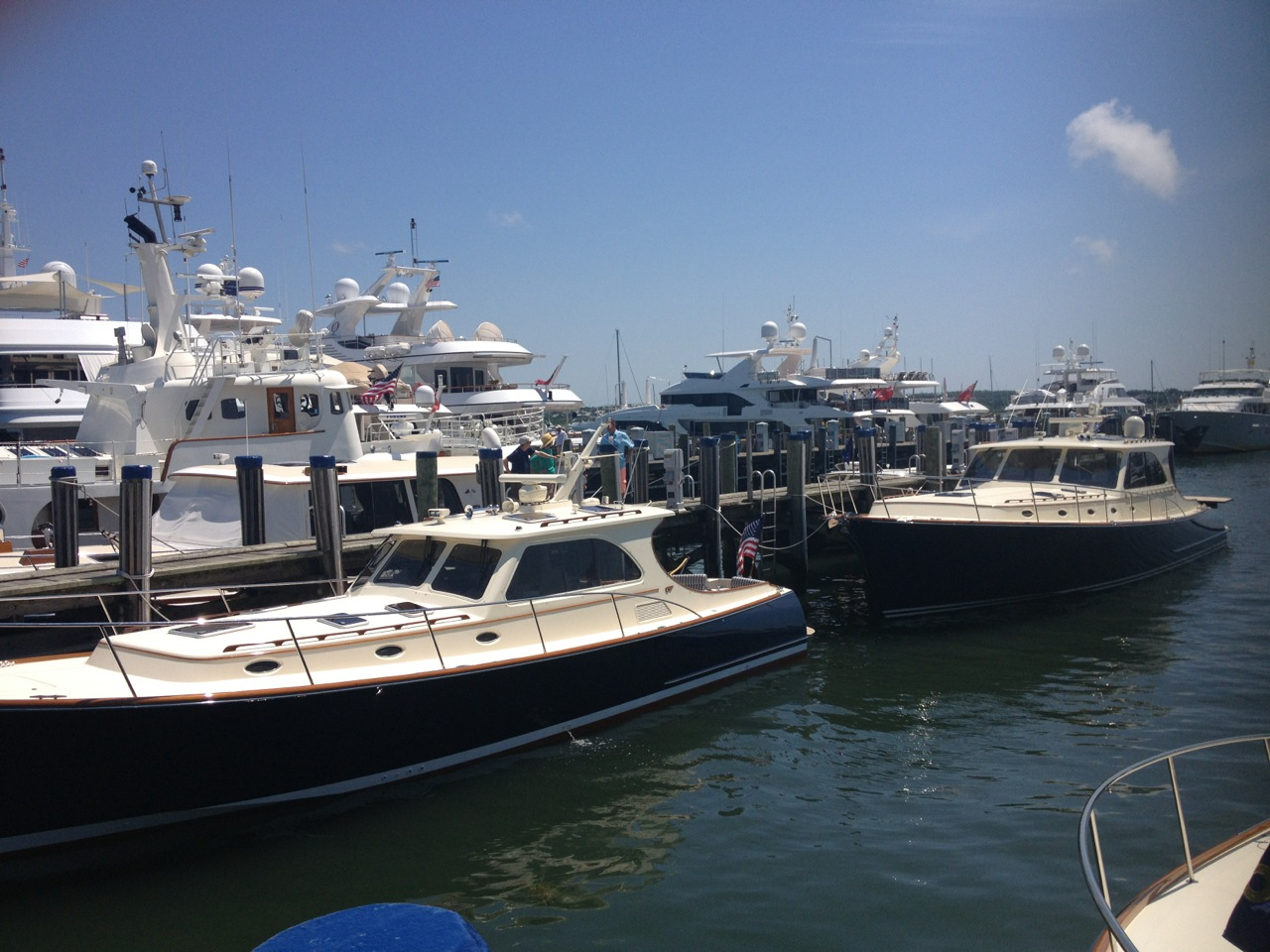 Hinckley Yachts under Becket & C.o Hinckley Yacht Management